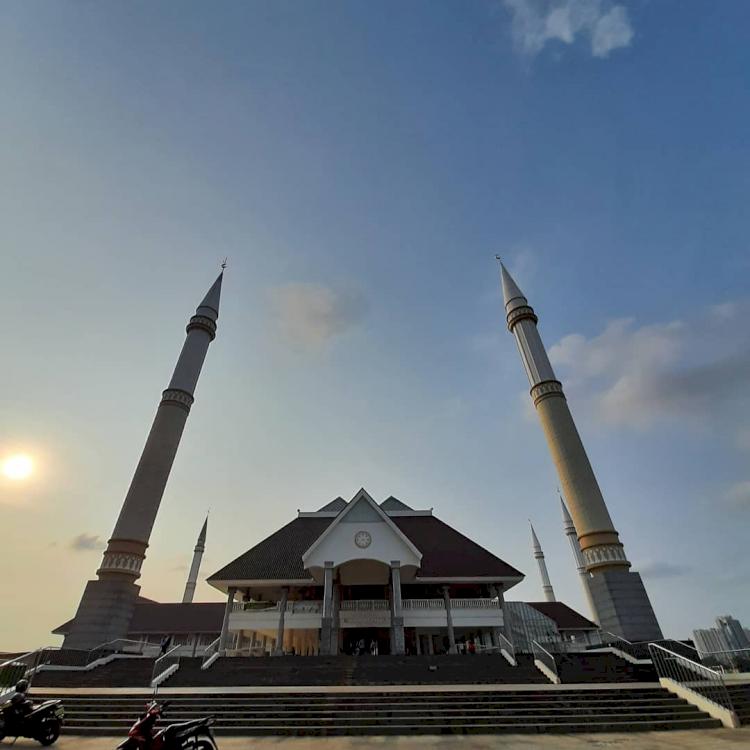 Sudah Tahu Belum 6 Masjid Ikonik di Jabodetabek Ini Miliki Arsitektur Unik dan Indah, Yuk Lihat - Foto 3