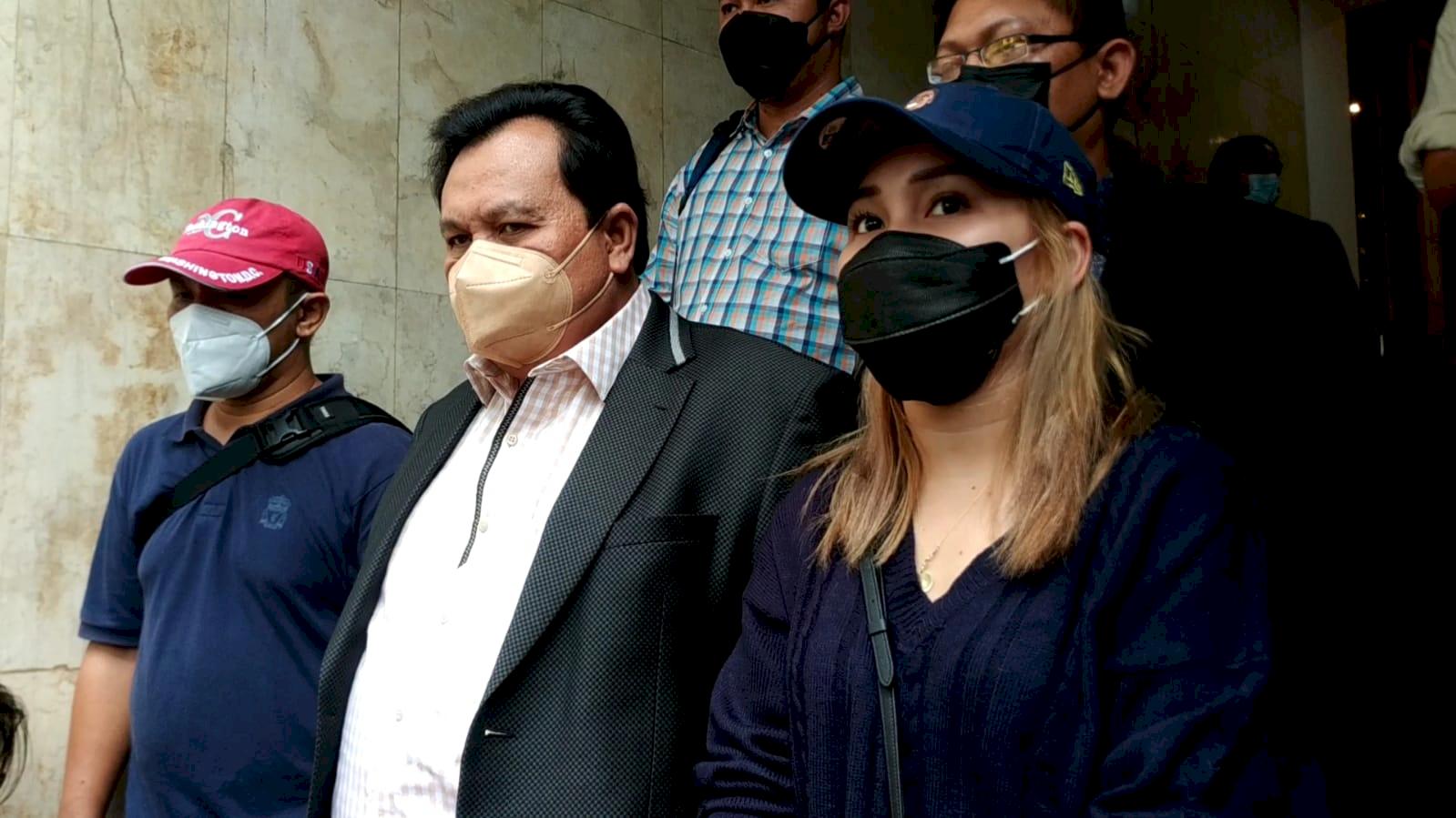 Biar Kapok, Ayu Ting Ting Polisikan Pembully Putrinya Sampai Dipenjara