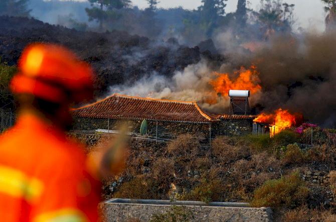 Lima Hari Erupsi, Gunung Berapi Spanyol Ini Masih 'Muntah-muntah'