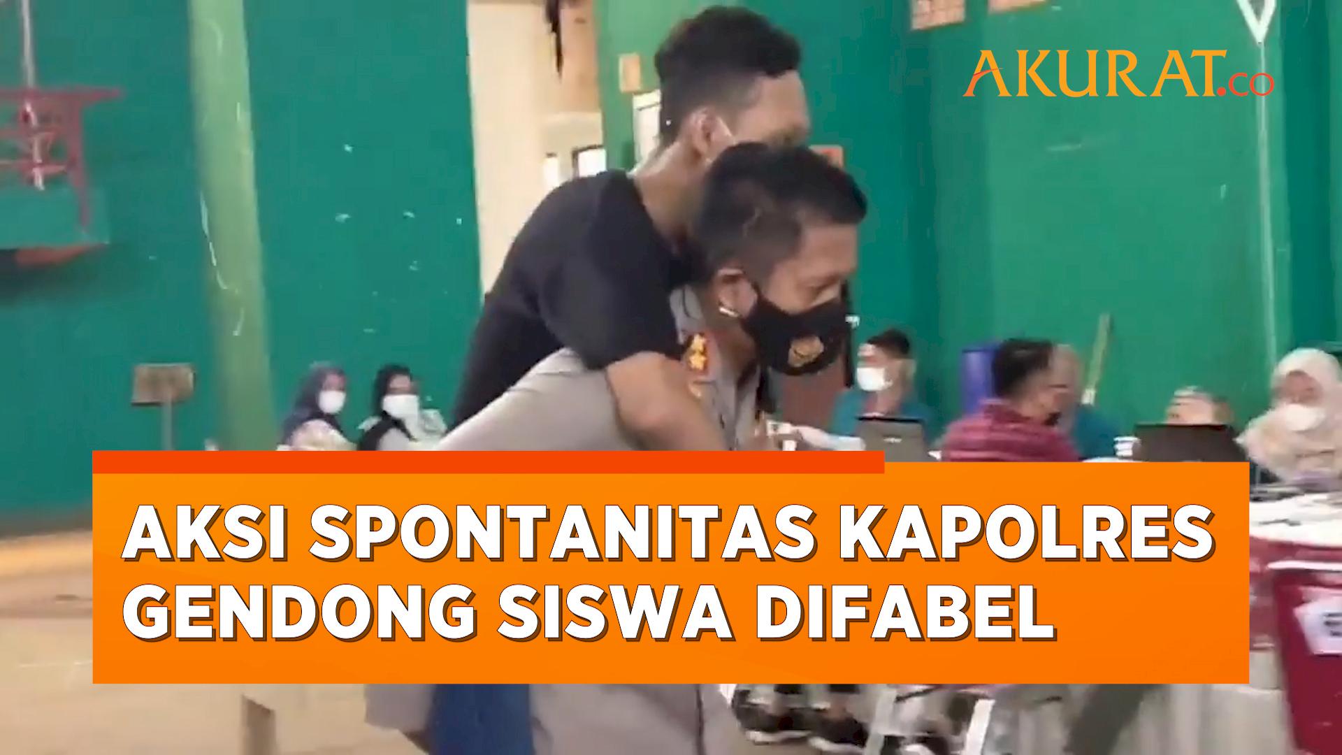 Aksi Spontanitas Kapolres Semarang, Gendong Siswa Difabel untuk Vaksinasi
