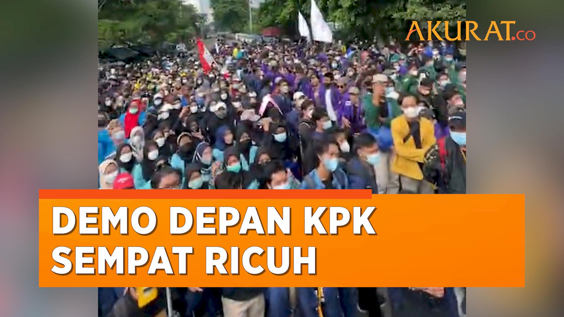 Demo BEM SI di KPK Sempat Diwarnai Aksi Saling Dorong