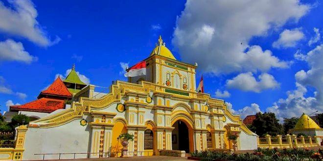 Inilah 3 Masjid Bersejarah Kebanggaan Masyarakat Madura, Yuk Lihat